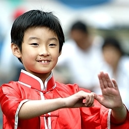 Martial arts training can help kids cope with cancer.